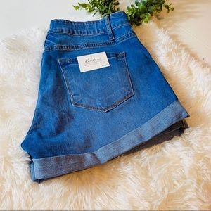 Kancan jean shorts size 13 or 30 distressed NWT